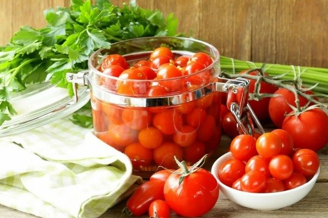 Консервируем помидоры - рецепты и советы