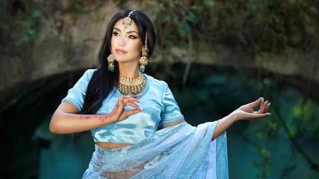 Индийская женская одежда: что выбрать, с чем носить?