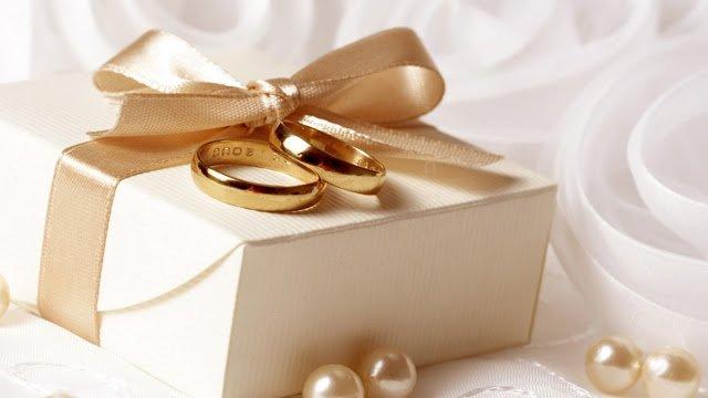 Свадебные приметы и суеверия: цветы и подарки