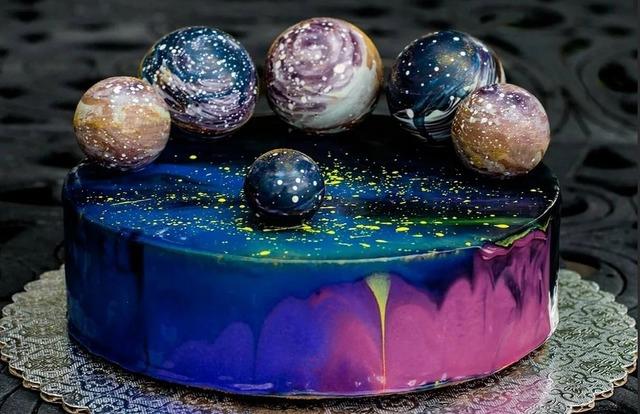 Просто космос! — торты и сладости на День Космонавтики