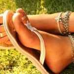 Кольцо на пальце ноги: как выбрать и как носить?.