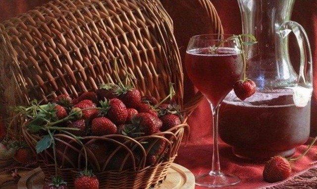 Клубничные наливки, настойки, ликеры и коктейли: рецепты и идеи