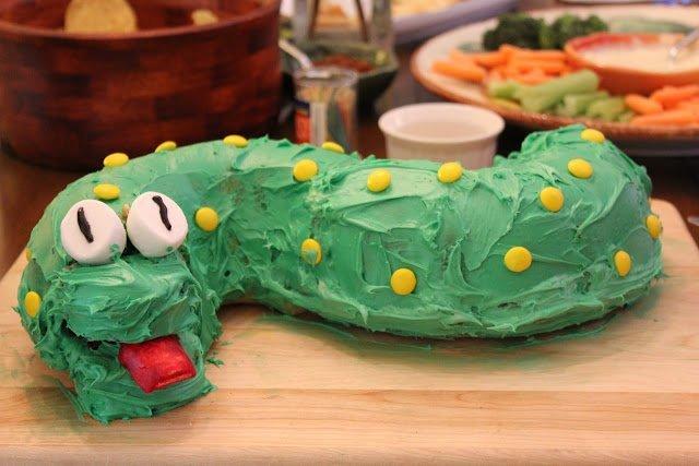 Торты «Змея» — рецепты, идеи оформления, фото, змея фото, как сделать торт змея, торт на год змеи, какой торт сделать на год змеи, торт на день рождения змея, торт в виде змеи фото, торт в виде змеи рецепт с фото, торт в виде змеи своими руками рецепт с фото, как сделать торт на год змеи, выпечка в виде змеи рецепт, десерт в виде змеи рецепт с фото, кремовый торт змея рецепт, торт из мастики змея рецепт, оригинальный торт, год Змеи, знак змеи, торт рожденному в год змеи, Бананово-клубничная Змейка, Десерт «Змея»с клубникой, Миндальный пирог «Змейка», Торт «Веселый Змей» из бисквитной крошки, Торт «Змея на камушках», Торт «Змея Скарапея» без выпечки, Торт «Сырный змей»,