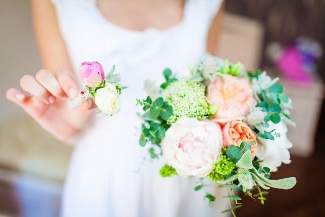букет, букеты свадебные, рекомендации, свадьба, цветы, букет невесты, букет на свадьбу, выбор букета, выбор цветов, оформление букета, стили букетов, гармония, стиль, свадебные аксессуары, свадебные наряды, http://prazdnichnymir.ru/,