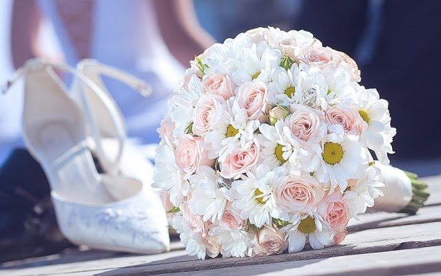 букет, букеты свадебные, рекомендации, свадьба, цветы, букет невесты, букет на свадьбу, выбор букета, выбор цветов, оформление букета, стили букетов, гармония, стиль, свадебные аксессуары, свадебные наряды,