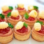 Волованы - пикантные закуски и десерты на любой вкус. Коллекция рецептов