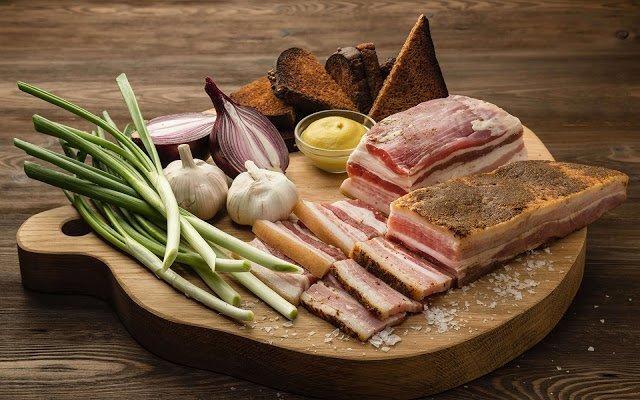 как выбрать хорошее сало, как выбрать сало с мягкой шкуркой, свинина, мясопродукты, жиры, рецепты, рецепты кулинарные, рецепты для засолки сала, советы по засолке сала, сало для засолки, солёное сало в домашних условиях, копченое сало без копчения, как посолить сало, как выбрать сало с мягкой шкуркой, как определить свежесть сала, сало в домашних условиях, советы по засолке сала, советы по выбору сала, хозяйке на заметку, кулинарные хитрости, сало, кулинария, шпик, еда, про сало,