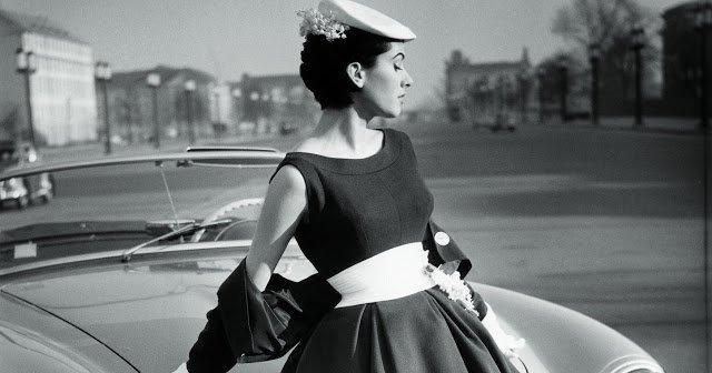 Маленькое чёрное платье -простота, универсальность, шик!